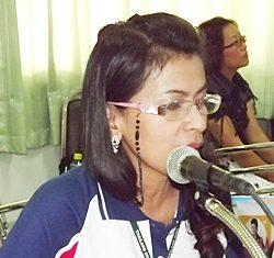 Pinpa Ruangrattanakorn explains different testing and treatment methods used in the anti-drug program.