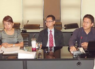 (L to R) Thalsaporn Waenwang, coordinator, Prawit Chaipotthong, marketing manager, and Krungthon Sakolphap, IT officer, from the Secure Group Consortium provide information to city hall about the new ARC-GMS Alarm.