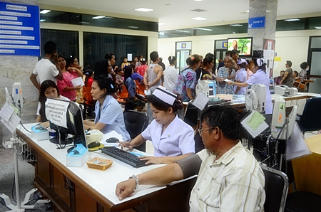 Banglamung Hospital is offering free flu vaccinations to those most in need.