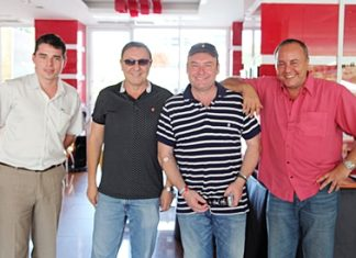 Snooker legend Jimmy White (2nd right) was recently seen at the Nova Platinum Hotel where he was welcomed by Rony Fineman (2nd left), President of the Nova group, Thomas Fineman (right) and Sascha Kunze (left), the hotel manager.