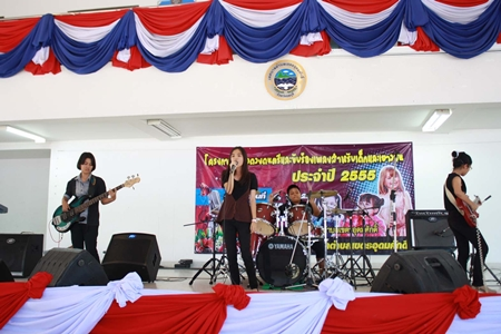 One of the contestant bands performs during the Khet Udomsak Children Music & Singing Contest 2012.