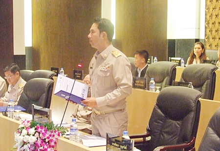 Mayor Itthiphol Kunplome talks to elected city officials about his plans for the next four years.