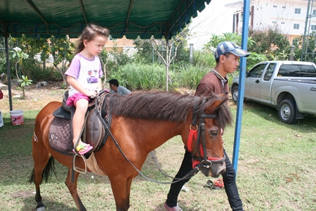 Little ones just love the pony rides provided by Horseshoe Point.