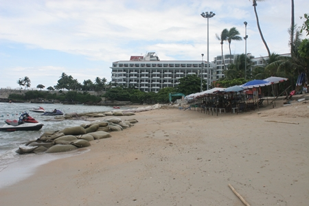 Sand was being brought to Pattaya Beach in bags taken from a Rayong tributary until Rayong officials said they could sell no more.