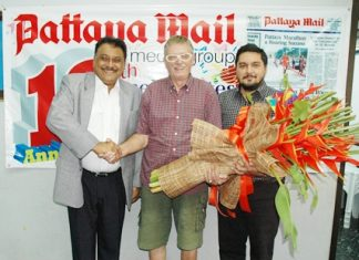 Martin Brands (centre), representing the Rotary Club of Jomtien-Pattaya presented a beautiful bouquet of flowers to Peter and Prince Malhotra recently to congratulate the Pattaya Mail on the historic occasion of reaching a milestone of our 1000th issue of the First and the Best English language newspaper in Pattaya.