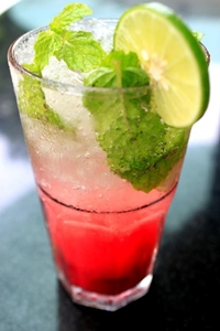 Refreshing Raspberry Mojitos at Havana Bar & Terrazzo, Holiday Inn, Pattaya.