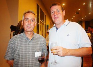 Duncan Miller from JVK Int'I Movers and Chris Kimpton, General Manager, GAC Thoresen Logistics Ltd.