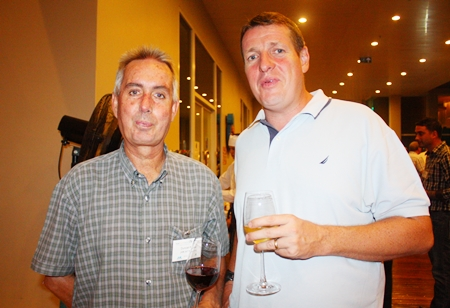 Duncan Miller from JVK Int'I Movers and Chris Kimpton, General Manager, GAC Thoresen Logistics Ltd.