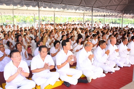 Hundreds of people take part in the religious ceremonies at Lan Po Public Park.