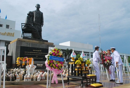 Officials in Sattahip honor HRH Prince Mahidol, Father of modern medicine in Thailand.