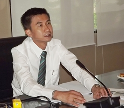 Pakorn Sukhonthachat distributes the 15th and 16th of 50 installments the city plans to lay new pipe and widen canals.