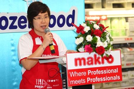 Makro Pattaya General Manager Sanasanee Khongsiriwattanakul addresses the gathering during the opening ceremonies for this year's Makro HoReCa Day.