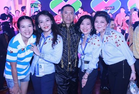 Papassara Tejapaibul, President of K.A.N. Entertainment Co., Ltd.; Areerat Laohaphol, President of Ideally Co., Ltd.; Pradit Pattaraprasit; Supatra Chirathivat, Centara' Senior Vice President - Corporate Affairs & Social Responsibilities; and Saowanee Jirawudhikul, Managing Director of Mode Thai Co., Ltd.