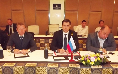 Evgeny Pisarevskiy (center), Deputy Head of the Federal Agency for Tourism (Rosturism) and Russian officials address local officials and businesses about the challenges faced by Russian tourists in Pattaya.
