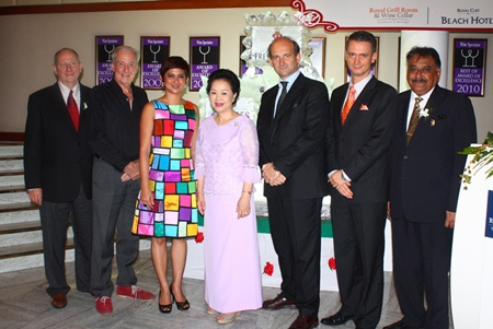 (L to R) Ron Batori, Dr. Iain Corness, Manantana Chaisamut, Panga Vathanakul, Lamberto Frescobaldi, Christoph Voegeli, and Pratheep Malhotra.