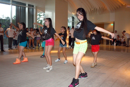 Praw Studio students put on a dance show in the 16th floor lobby of the hotel.