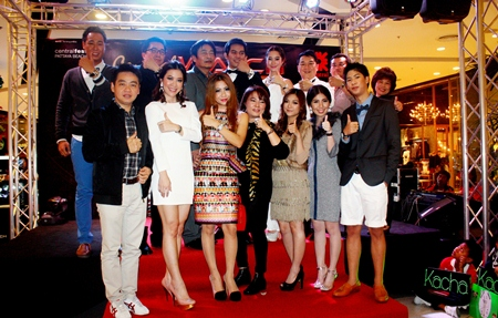 Deputy Mayor Ronakit Ekasingh presided at the opening of the Central Watch Fest held at the Central Festival Pattaya Beach recently. Branch Manager Kasin Owatsuwan and General Manager Saran Tantijumnan along with a bevy of well-known performers and singers from Academy Fantasia presented the exclusive collection of time pieces which were being offered at attractive discount prices.