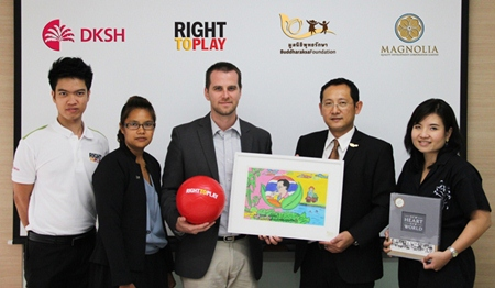 (L to R) Chananyou Muadmanee, Program Officer (Life Skills Development Program), Right To Play Thailand Foundation; Natchawi Wadman, Program Manager (Life Skills Development Program), Right To Play Thailand Foundation; Michael Albert, Country Manager, Right To Play Thailand Foundation; Visit Malaisirirat, Chairman Buddharaksa Foundation; and Wiriya Supaprasert, Executive Assistant to Chairman, Buddharaksa Foundation.