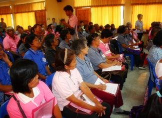 Citizens from the first 9 communities attend the community meeting for healthcare planning in Pattaya School No. 2.