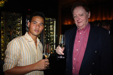 Board Member Pasit Foobunma and Director Allan Riddell from the South African-Thai Chamber of Commerce.