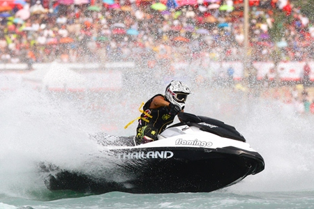 Veerapong Maneechom competes in the Pro Runaround class. (Photo/www.jetski-worldcup.com)