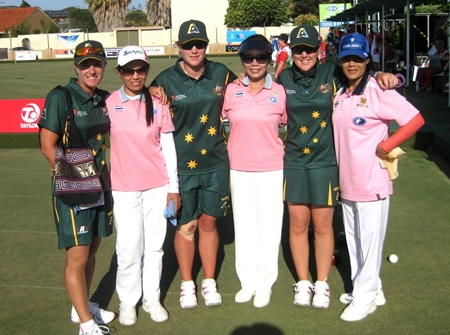 The Thai Ladies triples team of Orawan Sodok, Songsin Tsao and Thong Oomen pose with their Australian counterparts, Karen Murphy, Natasha van Eldick and Lynsey Armitage.