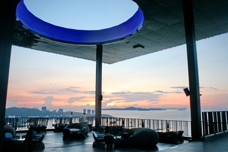 The venue offers a spectacular view of the sunset over Pattaya Bay.