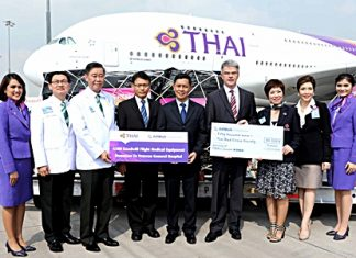 Chokchai Panyayong (fifth from left), THAI Senior Executive Vice President of Strategy & Business Development; Namchai Khuntaraporn (third from left), Veterans General Hospital Managing Director; Chanprapa Vichitcholchai (seventh from left), Thai Red Cross Society Public Relations Director; and Thomas Friedberger (sixth from left), Airbus Senior Vice President of Sales in Asia, were present to welcome THAI's second A380 and on the Goodwill Flight carrying medical equipment and a monetary donation for the Veterans General Hospital and Thai Red Cross.