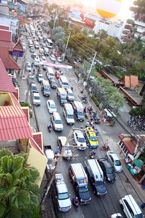 Bumper to bumper traffic all week on Pattaya Second Road.