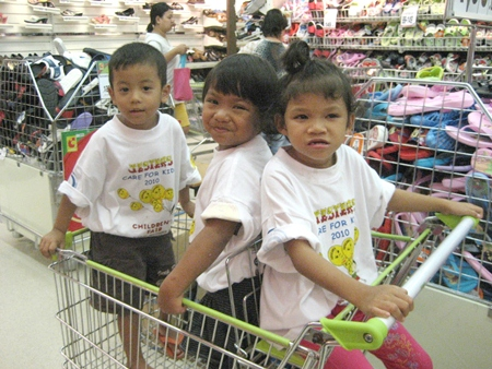We take the Camillian kids on a Christmas shopping spree to Big C in Rayong.