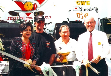 The 2002 ribbon cutting (L to R) Sopin Thappajug, Woody Underwood, Mike Franklin and Graham Macdonald.