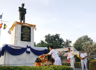Navy top brass lay a wreath at the statue of HRH Abhakara Kiartivongse, HRH the Prince of Chumphon considered the father of the Royal Thai Navy.