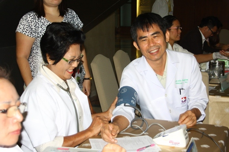 Doctors, nurses, officers and citizens donate blood at this year's first blood drive at Bangkok Hospital Pattaya.