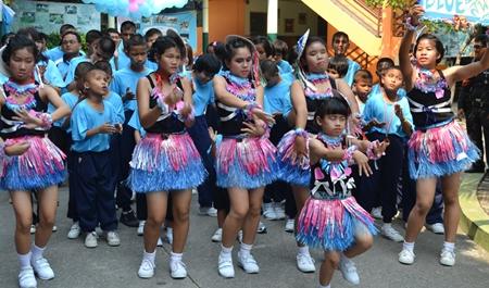 The Blue Team cheerleaders.
