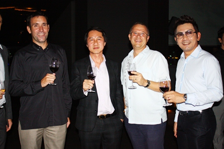 (L to R) Philippe Kronberg (GM Hilton Pattaya) holds court with Sophon Vongchatchainont (GM Pullman Pattaya Hotel G), Andre Brulhart (GM Centara Grand Mirage Beach), and Prayuth Thamdhum (GM Montien Pattaya).