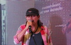 Aed Carabao debuts his 'Sufficient Pattaya' music video at City Hall in honor of His Majesty the King.
