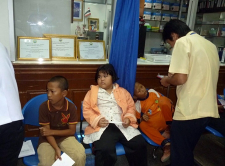 Schoolchildren from Pichit were inadvertently given bad food on their recent trip to Jomtien.
