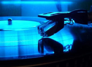 Is it time for vinyl records to make a comeback? (Photo/Wikipedia/Moehre1992)