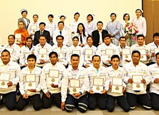 The 2nd group of graduates completed their Emergency Medical Technician - Basic (EMT-B) training course at the Bangkok Hospital Pattaya recently. They were presented with their certificates by Dr. Prayut Somprakit, CEO - Group 3 and Southern region, and Dr. Piyaporn Tippayarat, chairwoman of the training committee.