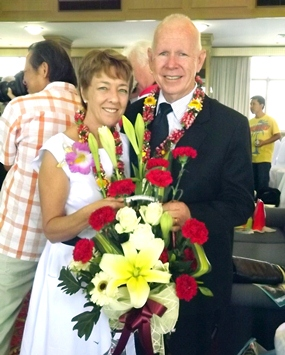 The new pastors, Rhonda and Allan Ward are welcomed to Pattaya.