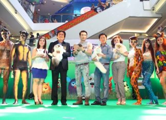 Deputy Mayor Ronakit Ekasingh (4th left) presided over the 1st Pattaya Pet Variety Show: World of Little Pets held at the Royal Garden Plaza recently. Joining him were Pannita Varnakovit (3rd left), Marketing Director for Minor International PCL; Aum Attichart Chumnanont, Somporn Naksuetrong, vice president of Royal Garden Plaza & Entertainment, and Parida Vimolpand, General Manager of the Royal Garden Plaza Ltd., along with other lovely body painted pets of many breeds.