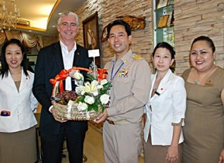 The management team of Amari Orchid Pattaya led by GM Brendan Daly (2nd left) paid a courtesy call on Pattaya Mayor Itthiphol Kunplome (3rd right) to introduce himself and also to convey hearty greetings to him on the auspicious occasion of Songkran, the Thai New Year. With him were EAM Latiporn Tongkhunna, HRM Prangvalai Joywong and Pichchaya Nitikarn, PR manager of the hotel.