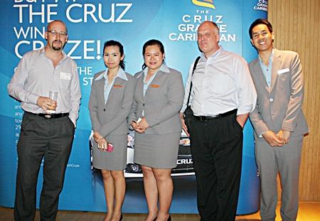 Markus Wehrhahn (RLC Co.) Varaporn Lamai (Hilton Pattaya), Pathitta Utsa (Hilton Pattaya), Scott Macdonald (RLC Co.), and Thanatnon Intamongkhon, (Hilton Pattaya).