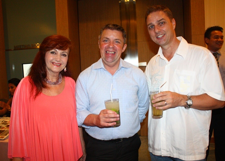 (L to R) Elfi Seitz, Paul Strachan and Russell Jay Darrell from MIX 88.5 FM.