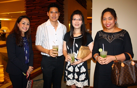 (L to R) Kamutporn Chaiwong (Holiday Inn Director of Sales and Marketing), chats with the Centara Grand team of Podcharak Klintoe (Front Office Manager), Koranit Muangkaew (FC) and Tiparpa Sapanon (DOSM).