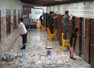 Volunteers provided their time and effort to repaint and renovate temple restrooms and public areas.