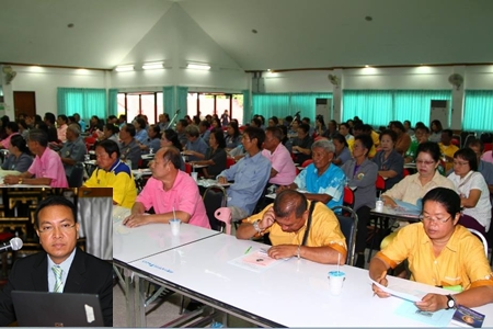 Over 100 residents and business owners recently gained understanding of laws governing legal disputes and court settlements from Chief Justice Apichart Thepnu (inset).