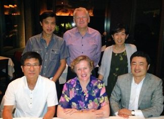 Seen pictured at a welcome dinner at the Grand Hyatt Seoul are: (front L to R) Robert Sohn - VP East Asia; President Maureen O'Crowley - SI Seoul; William Oh - Past President SI Seoul. (Back L to R) Pichai Visutriratana - Director WDA; Andrew Wood, and Adele Kim - SI Seoul.