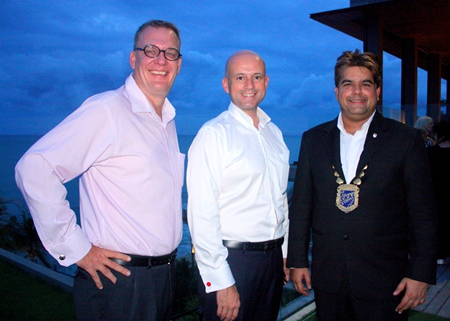 (L to R) Austin Robinson, GM of Nova Hotel & Spa Pattaya, Dominique Ronge, GM of Centara Grand Pratamnak and Tony Malhotra, President of Skål International Pattaya and East Thailand.