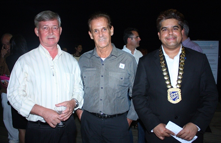 (L to R) Hans Banzinger, Director of Swiss Paradise Resort Pattaya, Daniel Herron, Travel Journalist & Photographer, LASplash Magazines worldwide and Tony Malhotra, President of Skål International Pattaya and East Thailand.